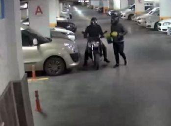 Motosikleti çalıp yerine saksı bıraktılar