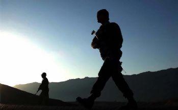 Siirt'te bir terörist cesedi ile silah ve mühimmat bulundu