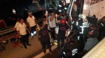 Kahramanmaraş'ta otobüs tıra çarptı: 1 ölü, 26 yaralı