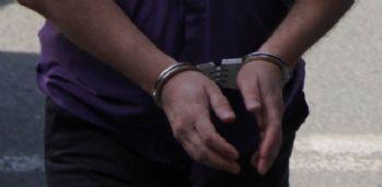 İzmir'de 25 kişi FETÖ'den tutuklandı