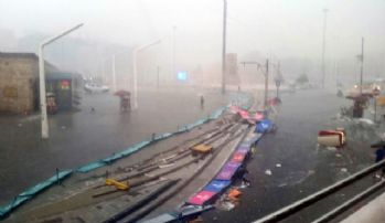 Fırtına Taksim'i savaş alanına çevirdi
