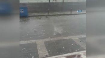 İstanbul'da ceviz büyüklüğünde yağan dolu kamerada