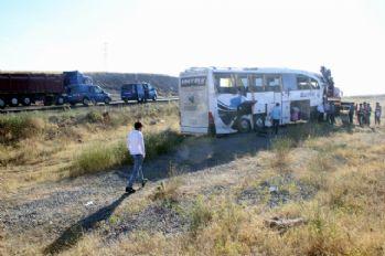 İki ilde otobüs kazası: 55 yaralı