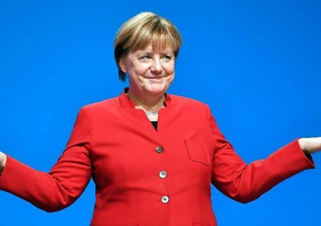 Merkel, Almanya'daki Türklere seslendi: Burası sizin eviniz