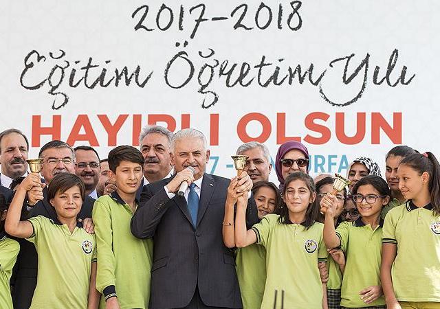 Başbakan Yıldırım: Yeni müfredat uluslararası eğitim standartları esas alınarak yapıldı