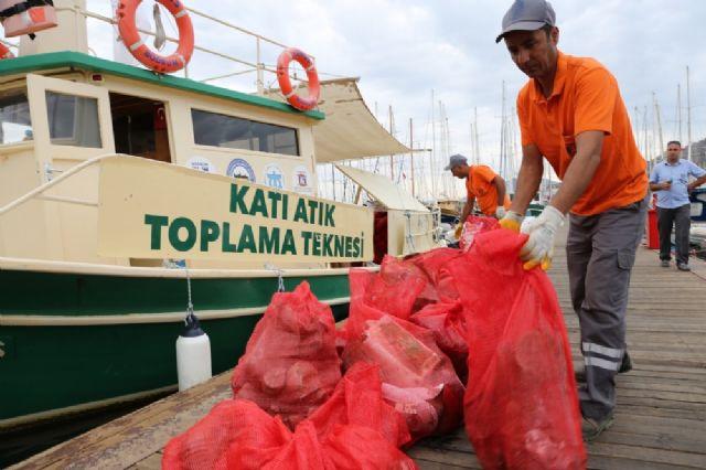 Bodrum'da tatilcilerden geriye 170 çuval çöp kaldı