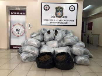 Diyarbakır'da 1 ton 151 kilo esrar ele geçirildi