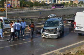 'Kazaya bakma' merakı zincirleme kazaya yol açtı: 3 yaralı