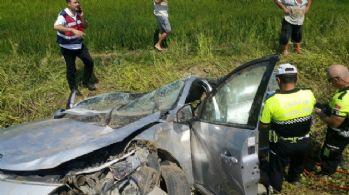 Kamyonetle otomobil çarpıştı: 2 ölü, 3 yaralı