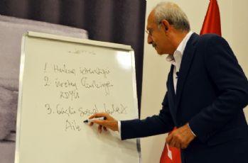 Parti okulunda 'Atatürk'ü Anlamak' konulu ders verdi