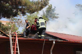Aile sağlık merkezinde korkutan yangın