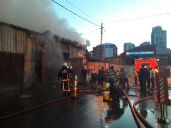 İstanbul'da kurbanlık hayvan barınağında yangın
