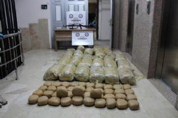Hakkari'de 703 kilo 560 gram toz esrar ele geçirildi