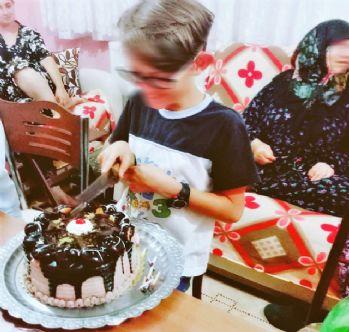 Doğum günü pastası 8 kişiyi zehirledi