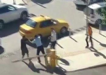Halk otobüsü şoförü tartıştığı sürücüyü böyle yumrukladı
