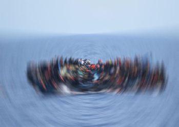 Hindistan'da tekne alabora oldu: 19 ölü