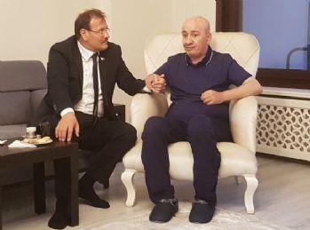 Başbakan Yardımcısı Çavuşoğlu'ndan 15 Temmuz kahramanına ziyaret