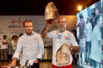 Dünyaca ünlü et ustaları Sultanahmet'te şov yaptı