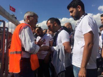Beşiktaşlı taraftarlar, Kadıköy'e hareket etti