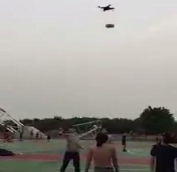 Basketbol topuyla drone'u düşürdü