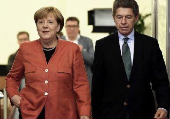 Almanya'da Merkel 4. kez kazandı