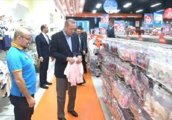 Cumhurbaşkanı Erdoğan, AVM'de torunu için alışveriş yaptı