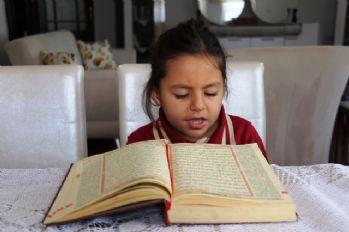 4 yaşında Kuran-ı Kerim'i hatim etti