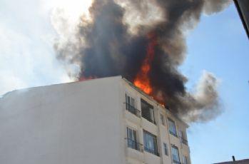 Çatı yangınında 1 kişi yanarak öldü