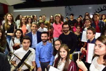 Aamir Khan Sulukule Korosuna şeflik yaptı