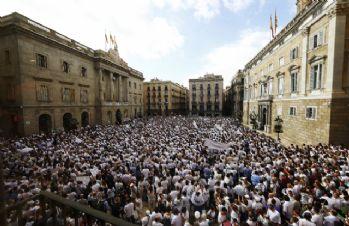 İspanyollar birlik için yürüdü