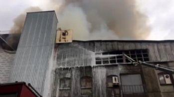 Başkent'te mobilya imalathanesinde yangın
