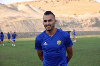 Süper Lig'in Faslı golcüsünden milli maçta hat-trick