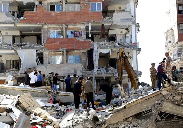 Irak ve İran'ı deprem vurdu: Enkaz altında yüzlerce insan var...