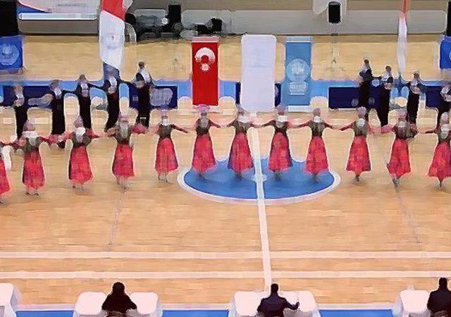 Flaş gelişme! Türk folklorcüler Macaristan'a iltica etti!