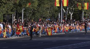 Ulusal Bayram Katalonya krizi gölgesinde kutlanıyor