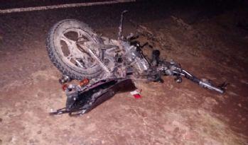 Kamyonet ile motosiklet çarpıştı: 2 ölü, 10 yaralı