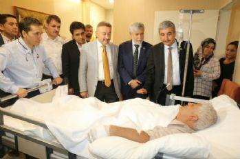 AK Parti'li vekillerden yaralılara ziyaret