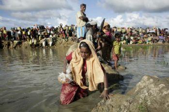 Bangladeş'e sığınan Müslümanlarının sayısı 600 bini aştı