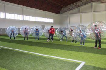 Bu da balon futbolu