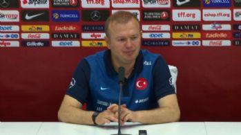 'Süper Lig'de ilk 11 oynayan sadece 3 oyuncumuz var'