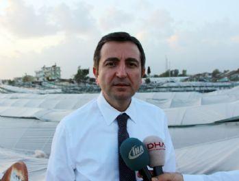 Fırtına ve hortum Antalya'yı vurdu