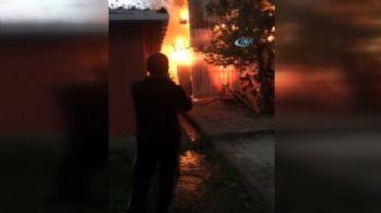 İstanbul'da korkutan yangın: Patlama oldu