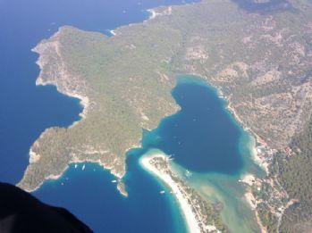 Bu fotoğraf yamaç paraşütünden çekildi