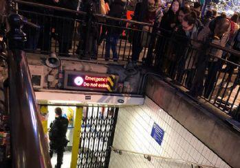 Lonra'da metro istasyonu tahliye ediliyor