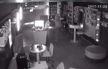 2 dakikada 60 bin TL'lik hırsızlık kamerada