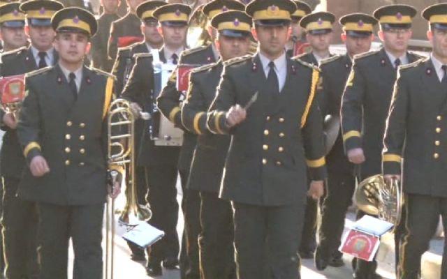 KKTC askeri bando o şarkıyı yeniden çalmaya başladı