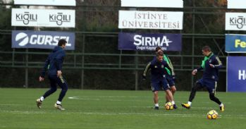 Fenerbahçe, Bursaspor mesaisini sürdürdü