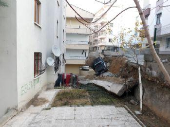 Başkent'te 2 araç göçük altında kaldı