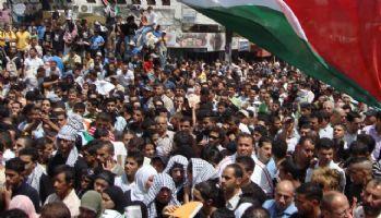 İşgalci İsrail'den Filistinlilere gerçek mermili müdahale