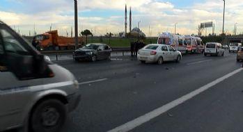 İstanbul'da TEM'de kaza: 4 polis yaralandı